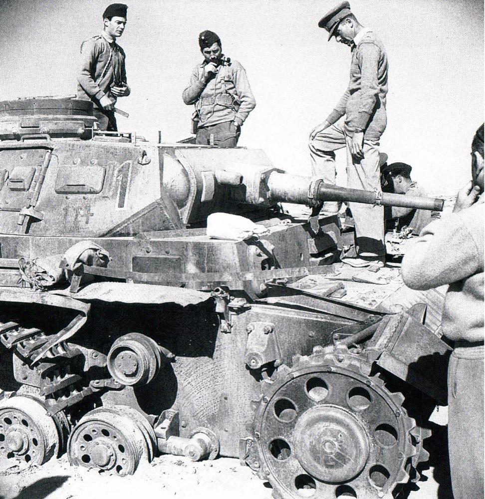Destroyed Panzer III 15th Div. 8 Reg, 1º Kompanie